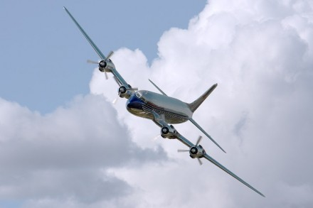 plane-409047_640