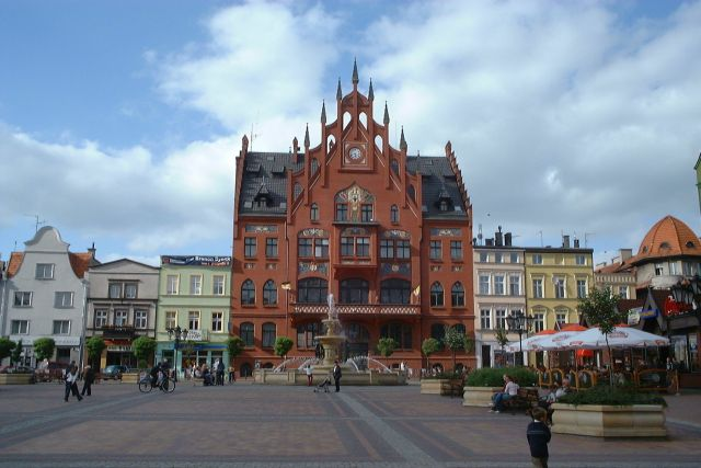 Poland_Chojnice_-_town_hall